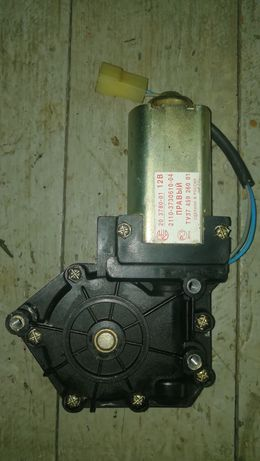 Мотор стеклоподьемника ВАЗ 2110 правый.