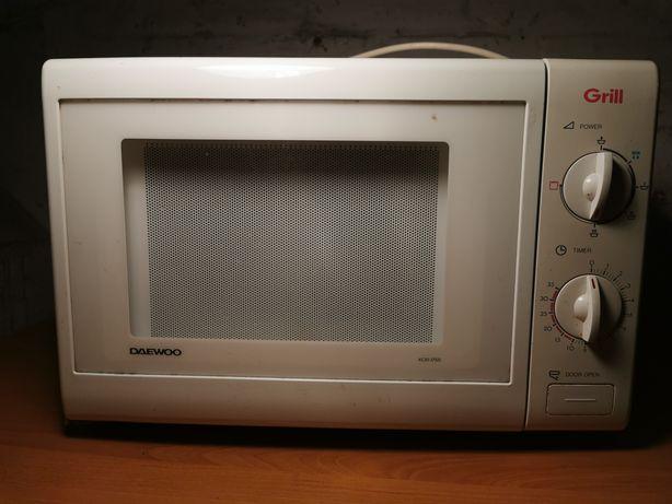 Kuchenka mikrofalowa Daewoo 1350 W z funkcją grilla