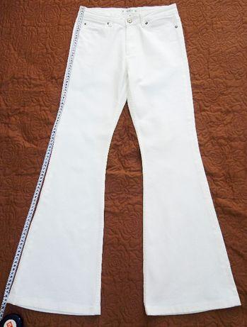 джинсы фирменные белые Манго (Mango flare) р.36 завышенная талия