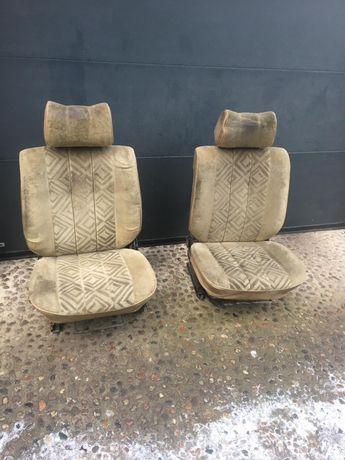 Fotele siedzenia Mercedes w123