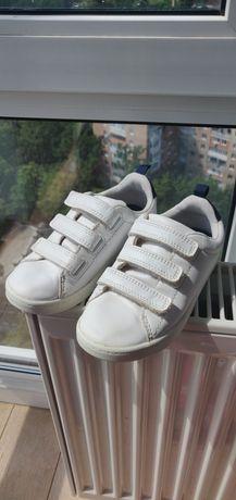 Кроссовки в школу, EUR 30, 18.5 см