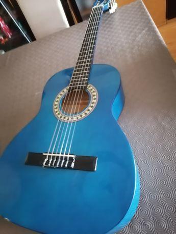 Guitarra Stagg 95cm com saco