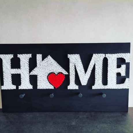 Wieszak 'HOME' string art