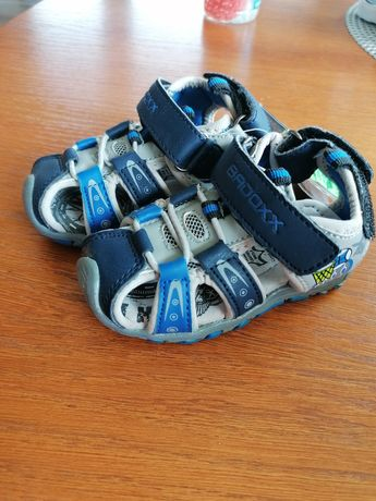 Sandały Badox nowe rozmiar 20