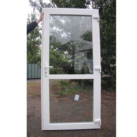 -Drzwi PCV sklepowe białe Prawe wejściowe 100x210