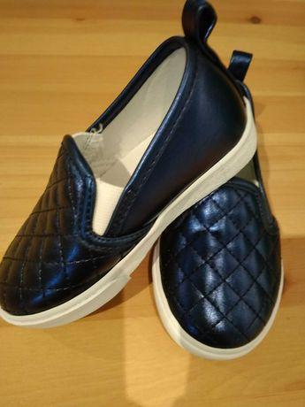 Buty sportowe firmy Gymboree