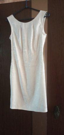 Продам белое кружевное платье La Femme, 42-44 р