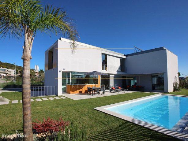 Excelente Moradia na Vila Utopia - Projecto de Filipa Mourão