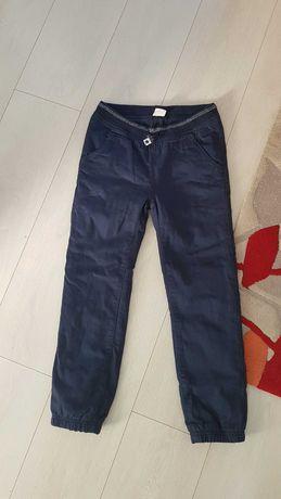 Spodnie ocieplane r. 140