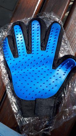 Перчатка для вычесывания кошек и собак