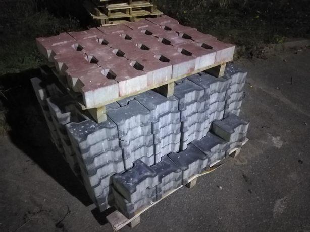Kostka brukowa z demontażu behaton 10cm grubości 270 sztuk