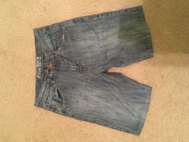 Dwie pary jeansowych spodenek