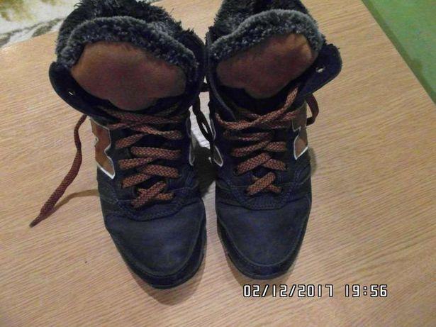 Зимові черевики 35 розмір