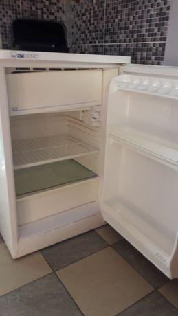 продам маленькие холодильники высотой 84см