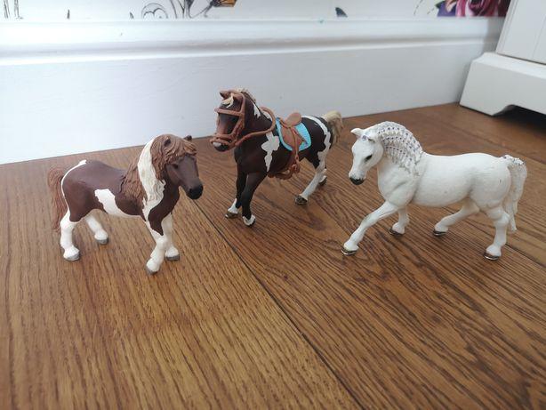 Trzy konie schleich