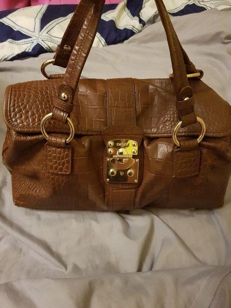 Piękna torebka DKNY