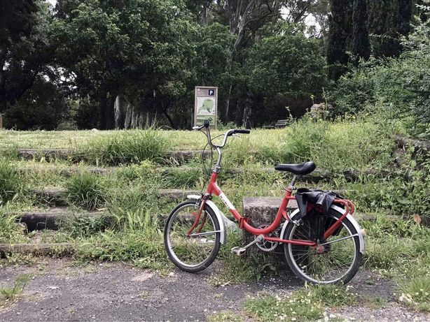 Bicicleta vintage - Órbita dobrável vermelha