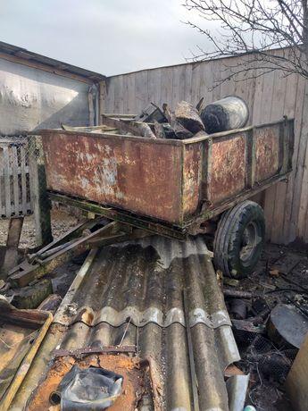 Прицеп на ресорах і саморобний трактор