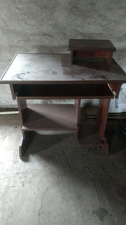 Biurko, stolik komputerowy