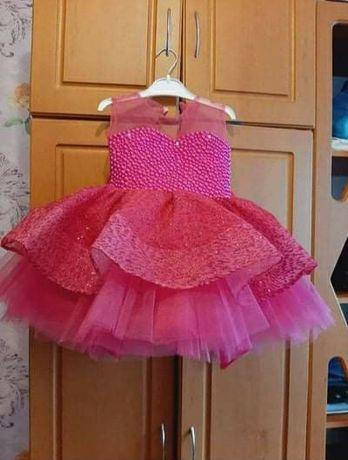 Шикарне платтячко на 1.5-3 рочки
