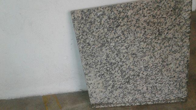 Pedra bancada em granito