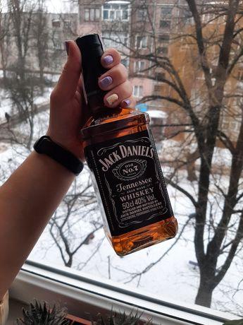 Продам бутылку Jack Daniels