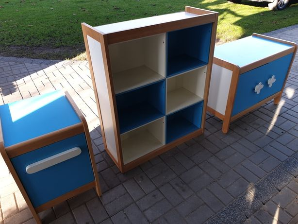 Komplet mebli drewnianych niemieckiej firmy Haba komoda regał szafka