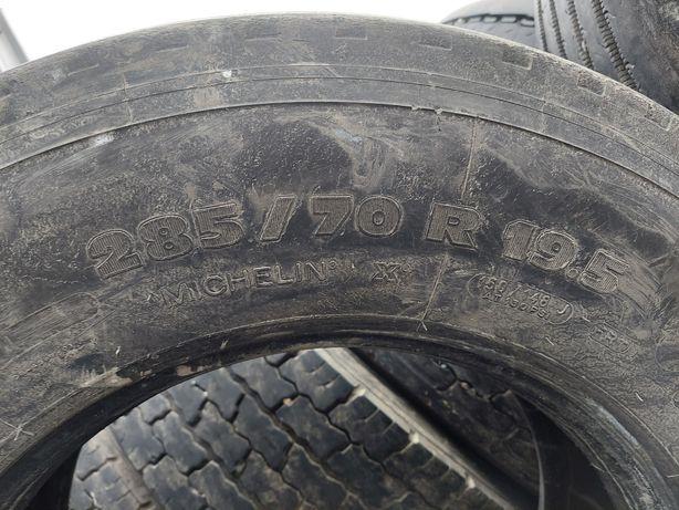 Michelin R 19.5 285/70