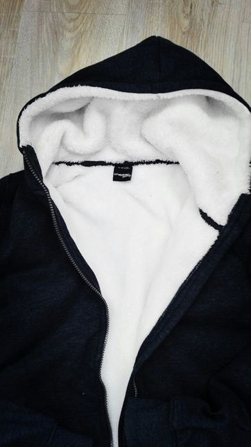 Bluza z kożuszkiem-nowa.
