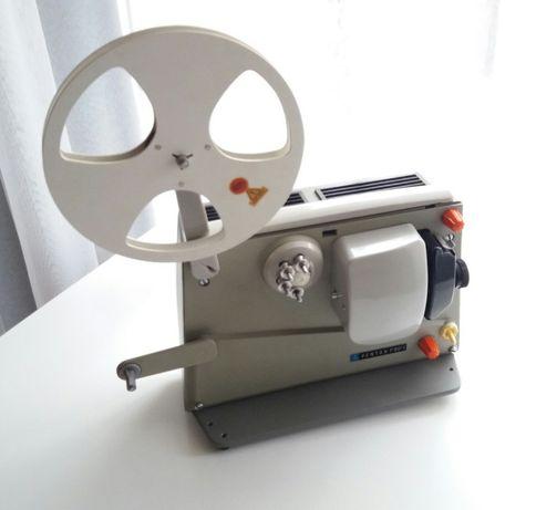 Projektor filmowy PENTAX P80-I z 1966 r. (antyk, zabytek)