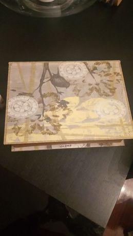 Caixa de arrumação tipo livro