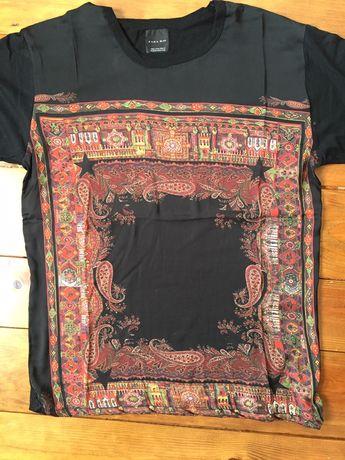 T-shirt com estanpado