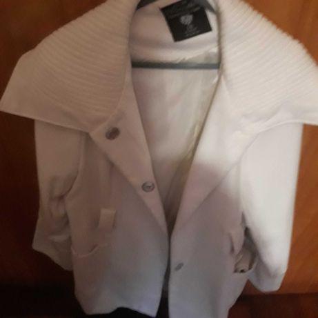 casaco branco de senhora