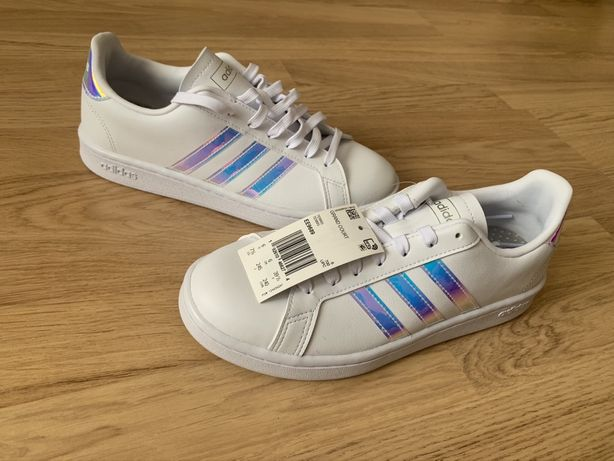 Кроссовки Adidas оригинал, женские, размер 39,5