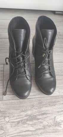 Buty damskie na obcasie, skurzane, 39