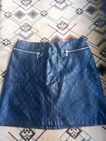 Продам юбку на школьницу