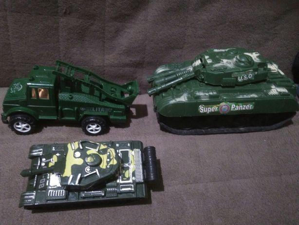 Продам военные машинки