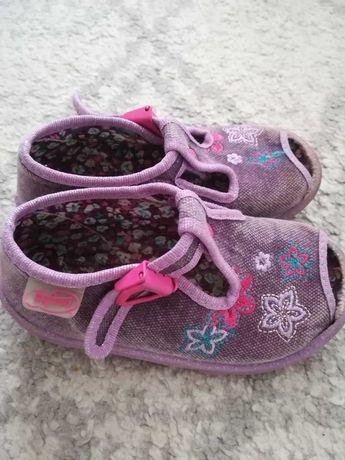 Kapcie papucie sandałki Befado dla dziewczynki rozmiar 22