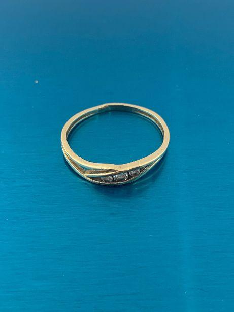 Pierścionek ze złota złoty próba 585 1,3g - rozmiar 16 - delikatny