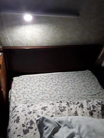 Кровать из натурального дерева производство Румынии