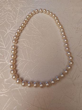Korale perłowe..
