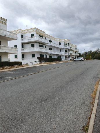 Apartamento T1 com Garagem