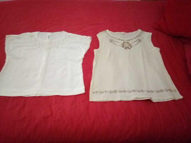 Duas blusas de verão, bordadas, cor bege