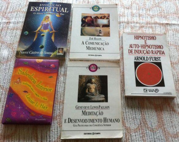 varios livros espirituais e hipnotismo