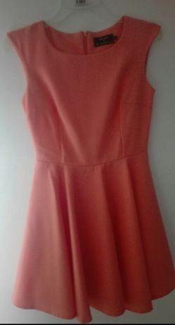Brzoskwiniowa zozkloszowana sukienka S