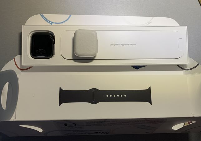 Apple Watch 6 GPS 44mm Black New