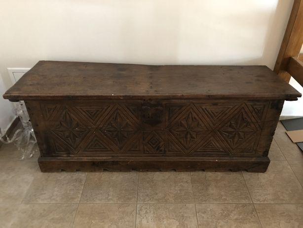Zabytkowa drewniana ok 200 letnia skrzynia zdobiona