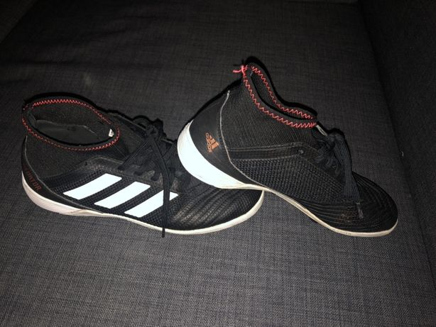 Turfy Adidas PREDATOR r 40 / 6,5 czarne