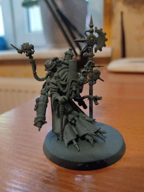Warhammer 40.000 figurka Tech -Priest Dominus