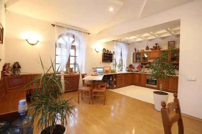 Продам просторную 4к квартиру на ул. Юрия Савченко / Центр